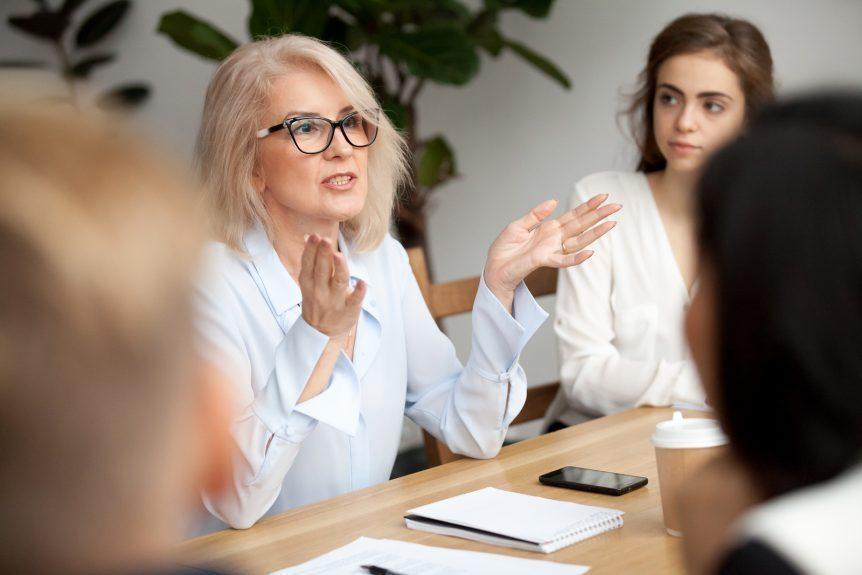 Como o coaching ajuda no desenvolvimento pessoal?